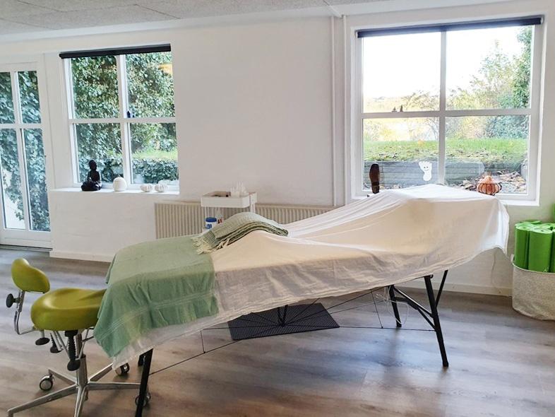 Behandlingsbordet i klinikken i Skanderborg